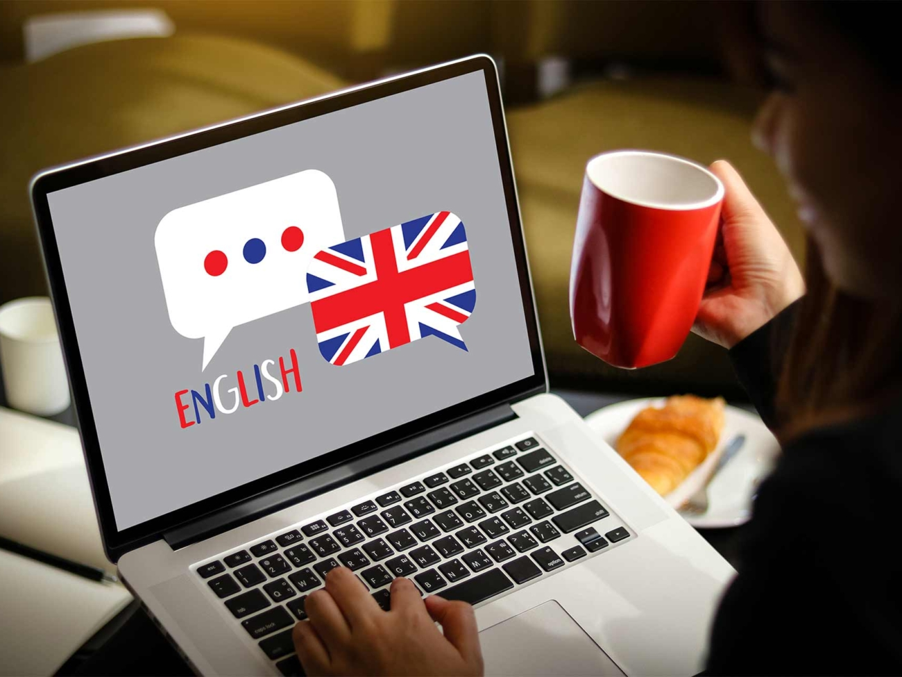 elearning-online-with-laptop-over-breakfast-course-british-english-pronunciation-british-accent-academy